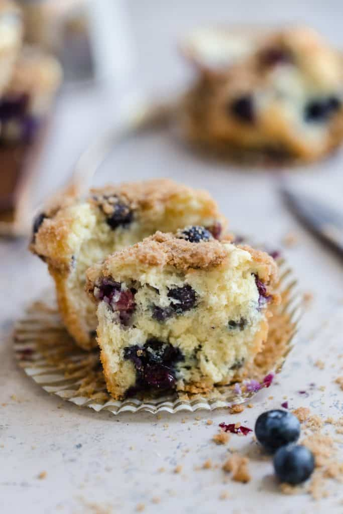 Mini blueberry streusel muffins