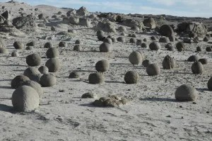 Valle de la Luna and its mysterious round rock formations