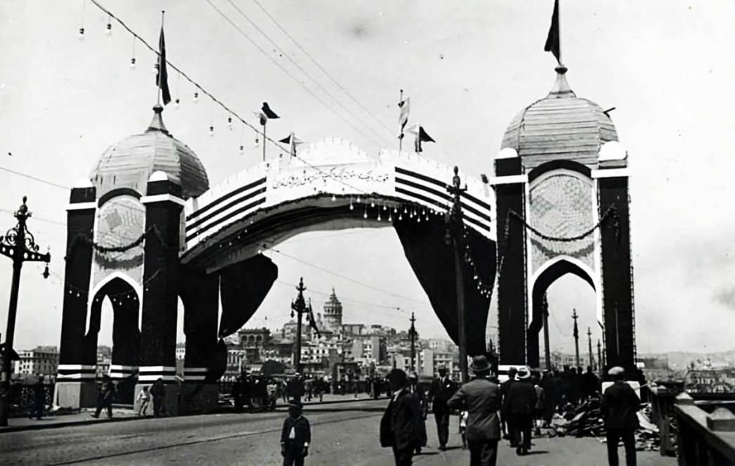 Galata Bridge 1902s