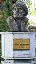 Ibrahim Muteferrika Statue