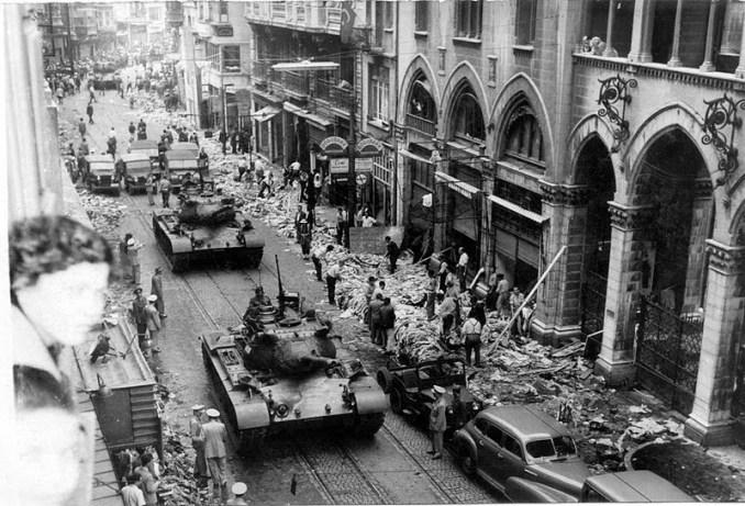 İstanbul Pogrom İstiklal Street