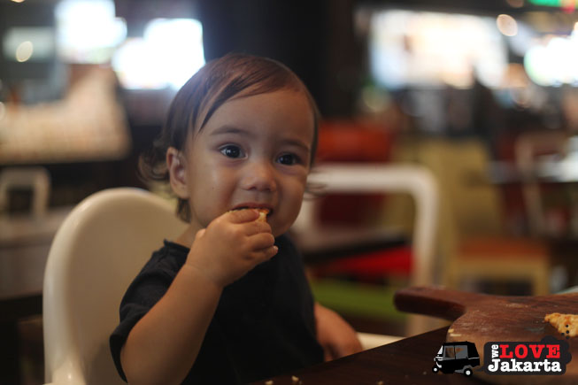 tasha may_welovejakarta_we love jakarta_Senayan City_eating with kids__kids in Jakarta_Urban Kitchen_playdate