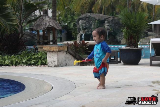 tasha may_welovejakarta_we love jakarta_Hyatt Hotel Jakarta_kids in Jakarta_kids pool_playdate