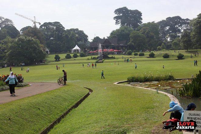 Cafe in Bogor Botanical Gardens Indonesia