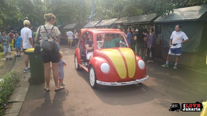 Tasha May_Treen May_Ecopark Ancol_peddle car_Jakarta indonesia