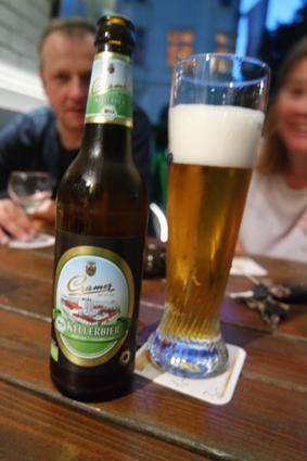 Die Bierauswahl ist groß - nicht nur an belgischen Bieren, z.B. hier ein Cramer Kellerbier aus der Eifel