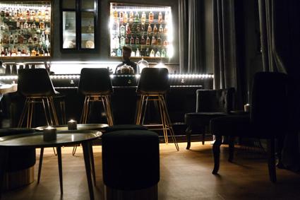Wo kann man abends in Bonn gut wegehen? Tipp für Cocktails neue Bar The Waiting Room