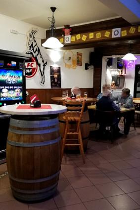 Beim Piepsch Bornheim wo kann man in Bornheim ein Bier trinken Kneipen Rhein Erft Kreis Eckkneipe