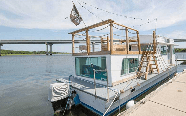 live on a houseboat for free