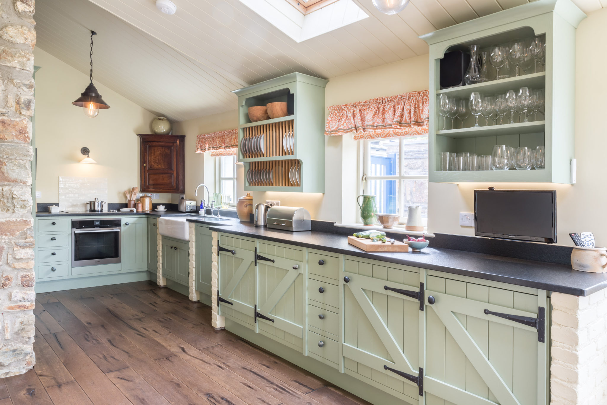 Painted Country Kitchen Winchester  Mark Stones Welsh