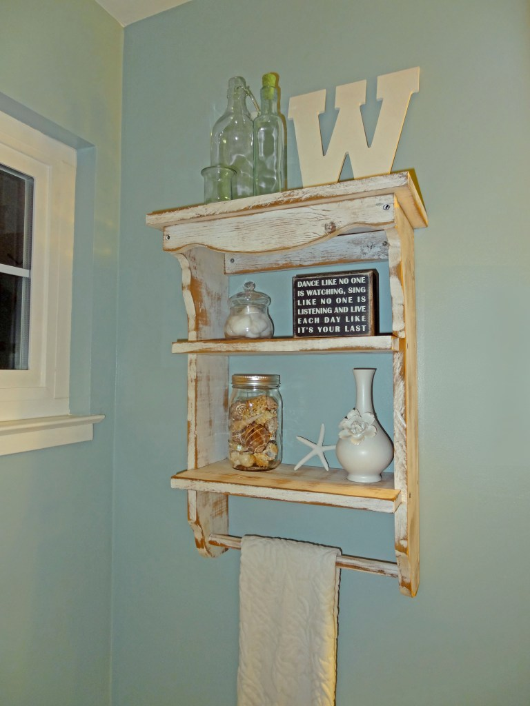 beach theme bathroom shelves