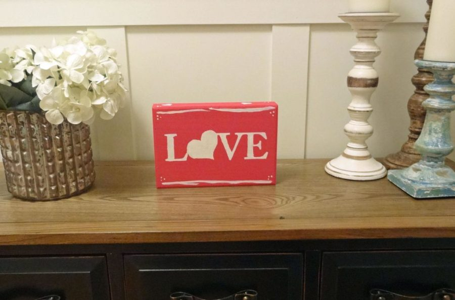 easy diy wooden sign for valentine's day