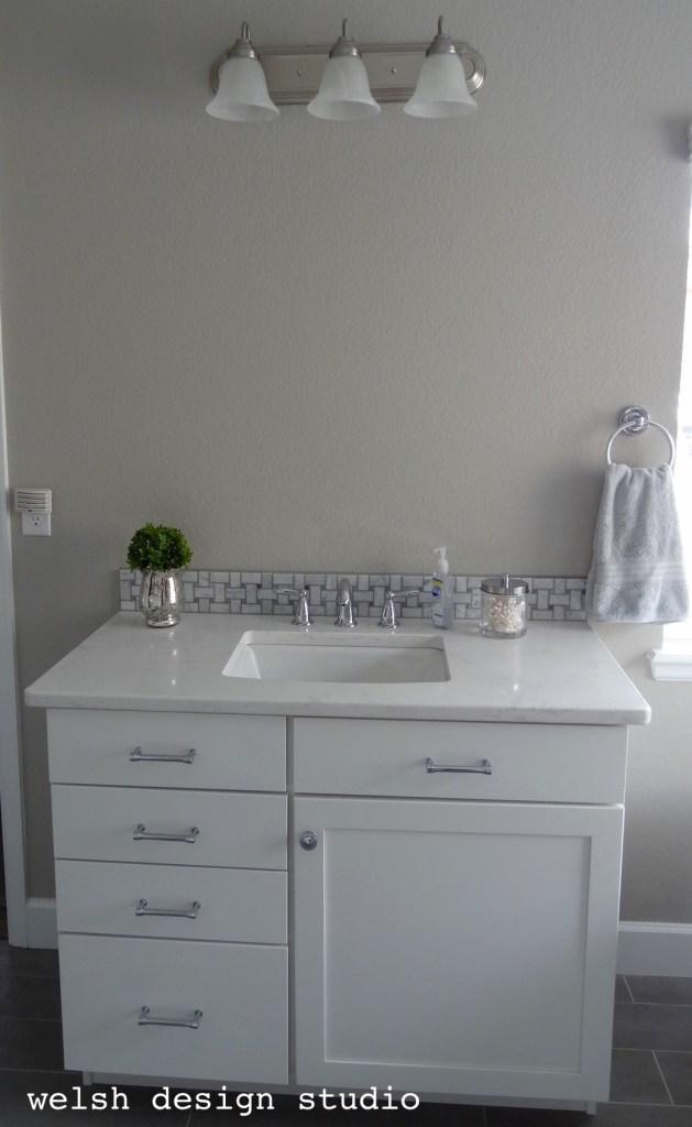 DIY Framed Bathroom Mirros