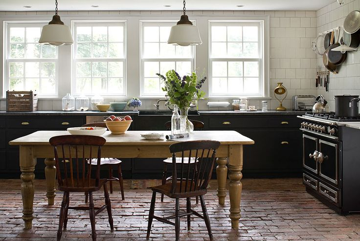 black farmhouse kitchen