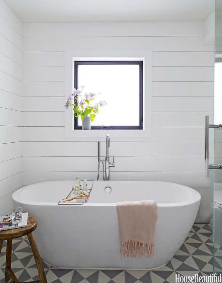 freestanding bathtub decor