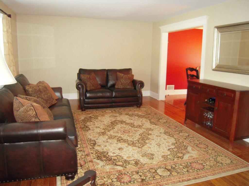 Interior Design 101: Common Living Room Space Planning ...