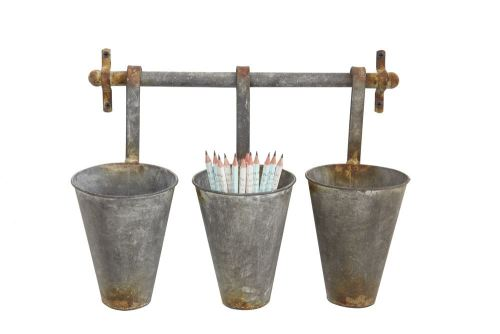 metal wall rack with hanging pots