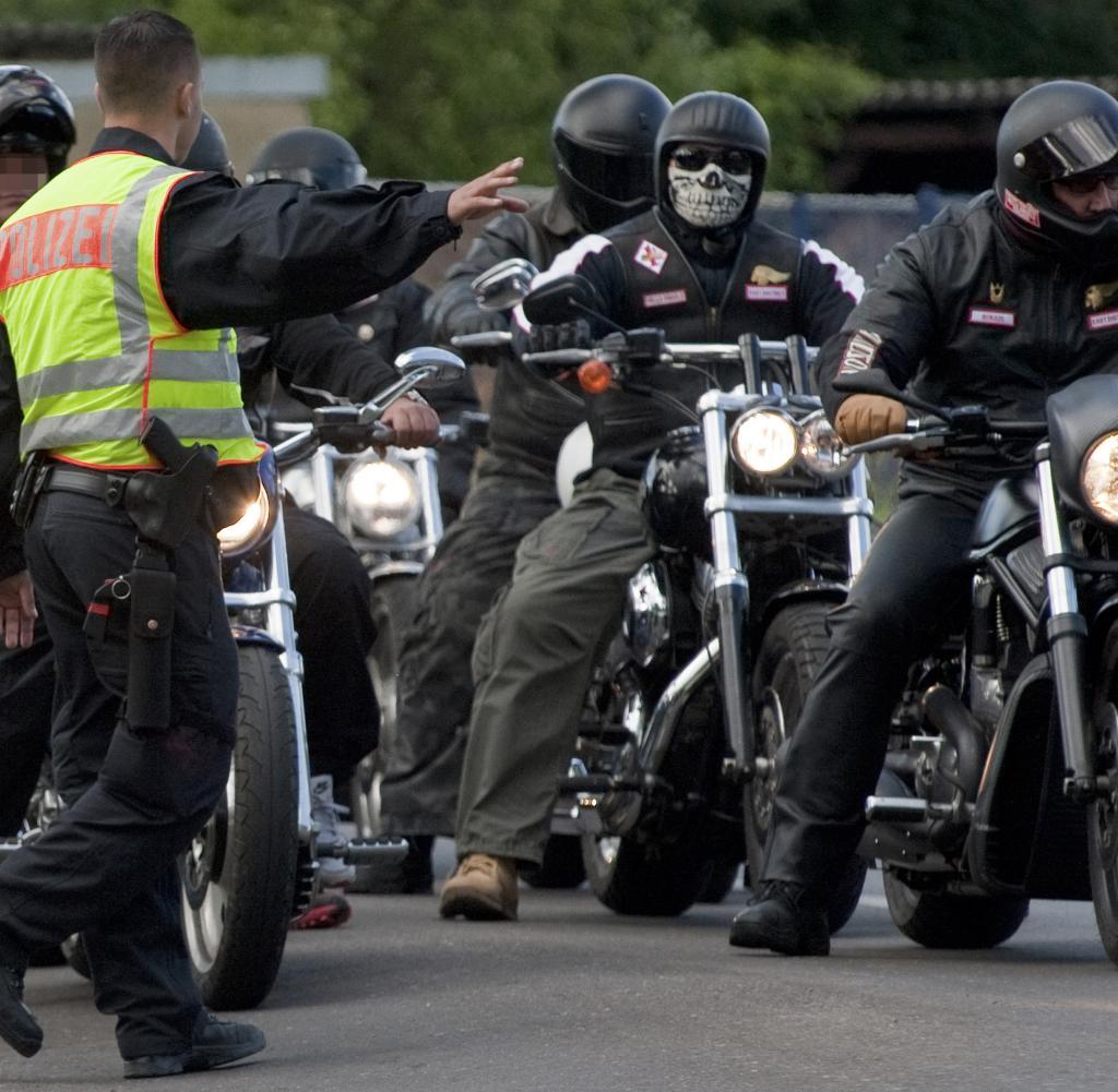 Einsatz gegen Rocker Polizei findet Kriegswaffe bei Hells AngelsMitglied  WELT