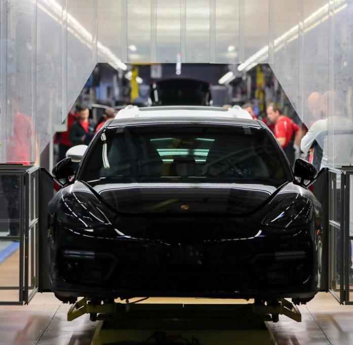 In Deutschland sind mehr als 800.000 Menschen in der Automobilindustrie beschäftigt
