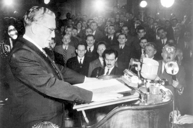 ... verbarg sich der spätere jugoslawische Staatspräsident Josip Broz Tito.