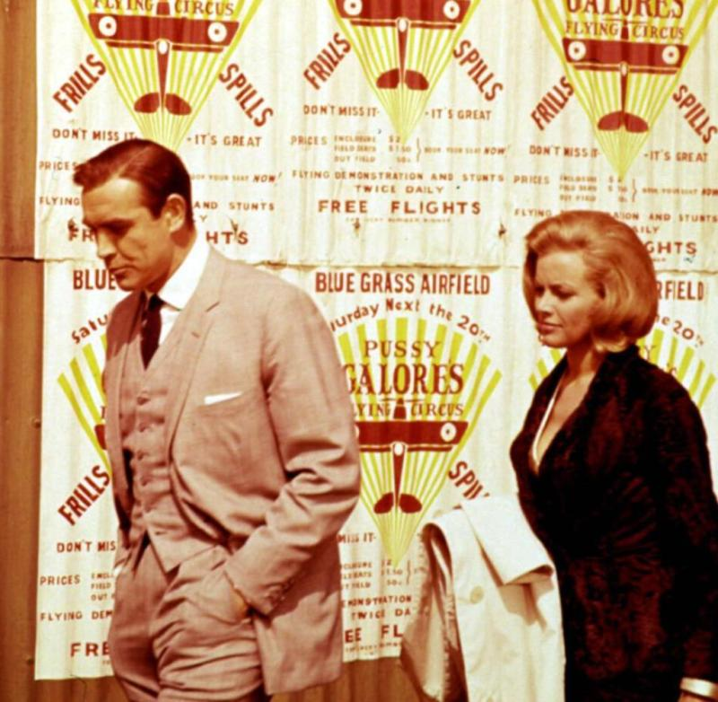 ++ Paid ++ GOLDFINGER, Sean Connery, Honor Blackman, 1964 Courtesy Everett Collection ATTENTION RECORDING DATE ESTIMATED PUBLICATIONxINxGERxSUIxAUTxONLY Copyright: xCourtesyxEverettxCollectionx MSDGOLD EC018