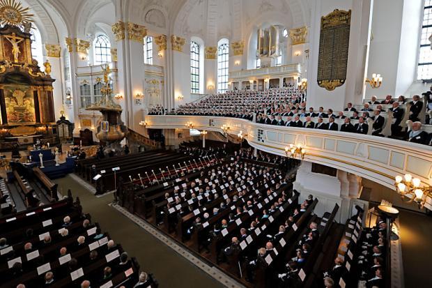 1.500 Freimaurer treffen sich zu Ritual im Hamburger Michel