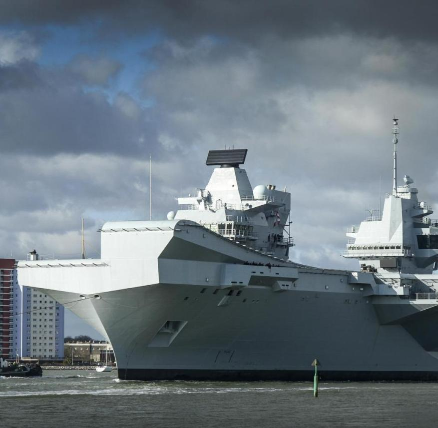 HMS Queen Elizabeth (accompanied by her support craft), sailing from her home in Portsmouth for the first time since being officially commissioned into the Royal Navy in December. The 65,000-tonne future flagship will spend the next month conducting further sea trials, which will include testing with rotary wing aircraft, learning about their behaviour flying to and from the ship in a range of conditions. Commanding Officer of HMS Queen Elizabeth, Captain Jerry Kyd, said: ?After the excitement of our commissioning ceremony in December, my ship?s company and our industry partners are looking forward to taking the ship to sea to conduct First of Class Rotary Wing Flying Trials. The Queen Elizabeth Class Carriers are the biggest warships ever built for the Royal Navy - four acres of sovereign territory, deployable across the globe to serve the United Kingdom on operations for 50 years. HMS Queen Elizabeth and HMS Prince of Wales will be the most advanced warships in the Royal Navy fleet. They are the future flagships of the nation. Initially the ships will carry helicopters. The vast flight deck and hangar can accommodate any helicopter in Britain?s military inventory. From 2020, however, our punch will be delivered by the F35 Lightning II, the world?s most advanced stealth fighter-bomber. [ Rechtehinweis: picture alliance / Photosho