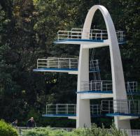 Sprungturm in Kulmbacher Schwimmbad gesprengt - WELT