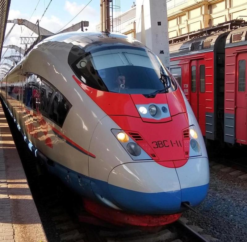 From St. Petersburg to Moscow: The ride on the Russian train runs smoothly
