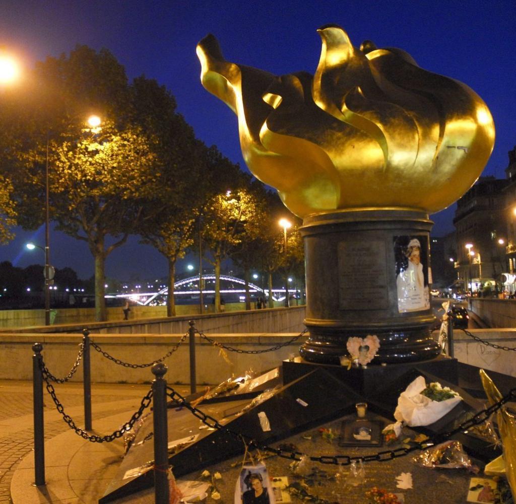 Gedenken Paris Lady Di und der nervende TunnelRummel  WELT