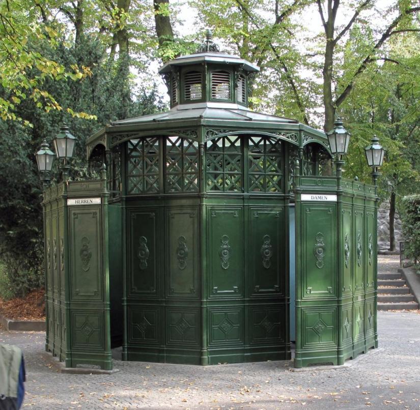 Public toilet on Rüdesheimer Platz in Berlin