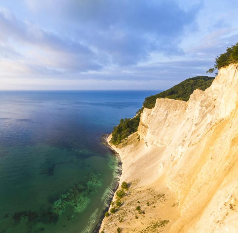 Denmark: At 128 meters, the chalk cliffs on the Baltic Sea island of Mön tower over the Königsstuhl by 10 meters