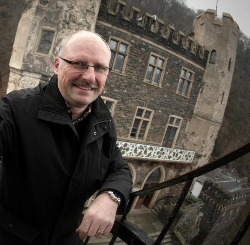 Rheinstein Castle: Castle owner Markus Hecher shows his visitors around himself