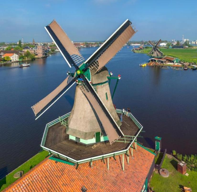 The only paint mill De Kat that still produces worldwide is located in Zaandam, North Holland