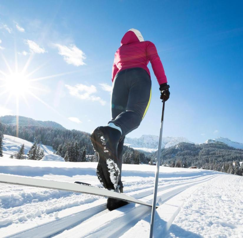 Cross-country skiers are repeatedly rewarded with great views on their tour through the Dolomites