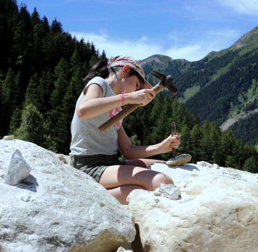 Binntal in Switzerland: Equipped with a hammer and chisel, visitors can go on a treasure hunt