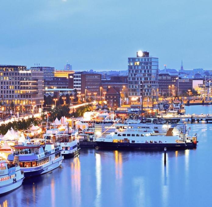Beaucoup d'eau: le fjord de Kiel s'étend jusqu'au centre-ville