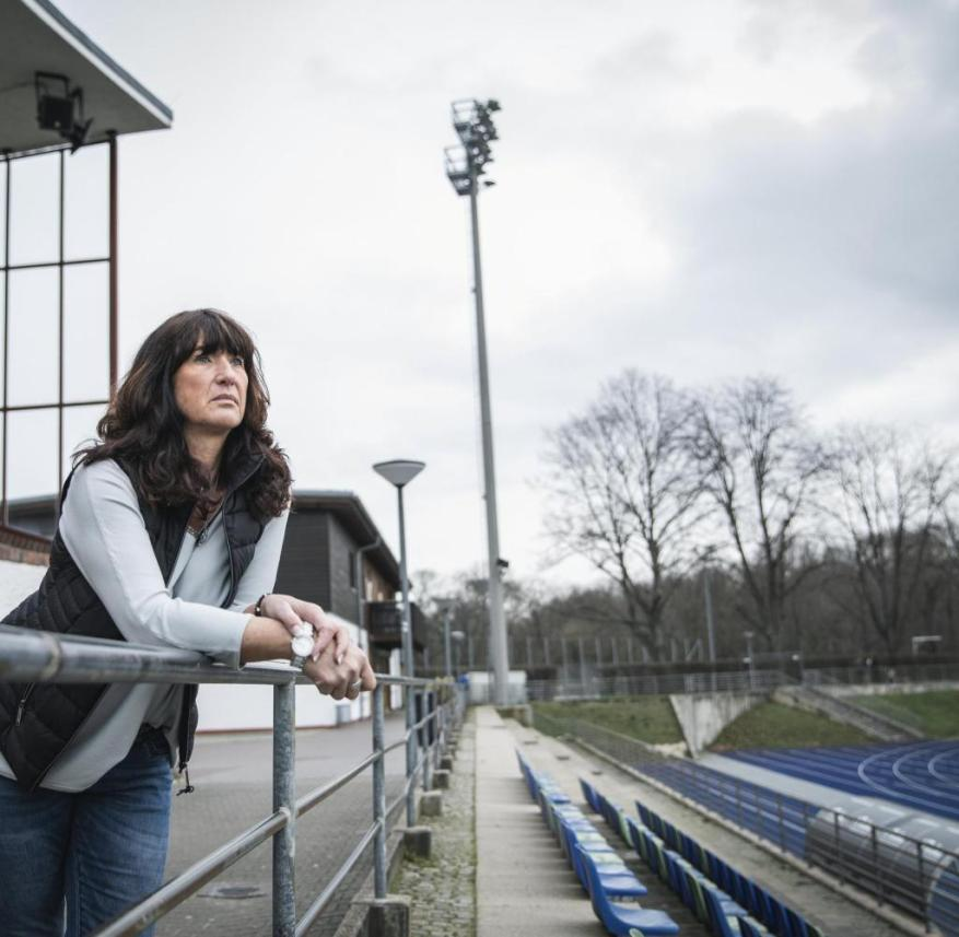 March 20, 2020, Berlin, Lichterfelde - Sylvia, owner of the Rotter Sportcasino, speaks to Welt am Sonntag about the consequences of the coronavirus.  The landlady has her bar on the sports facility of the regional league team Viktoria Berlin.  One of the largest popular sports clubs in the capital.