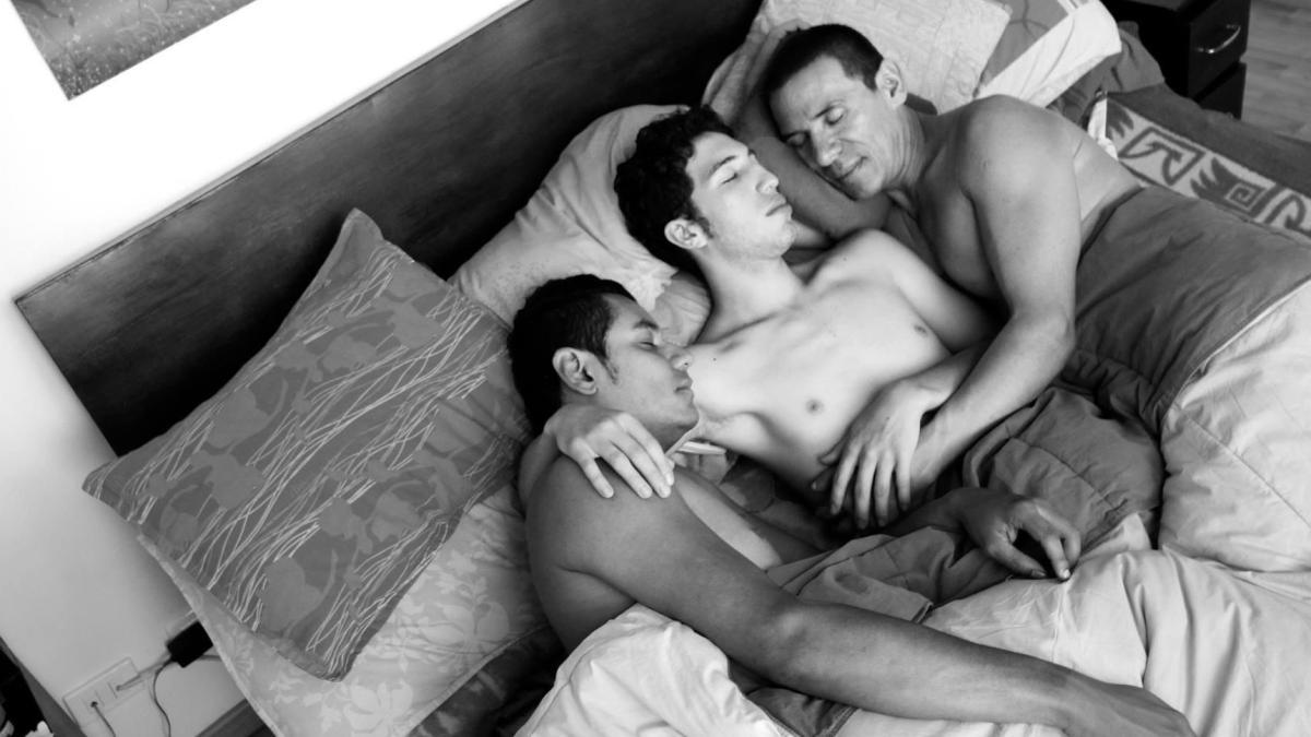 Kolumbien Drei schwule Mnner heiraten offiziell  WELT