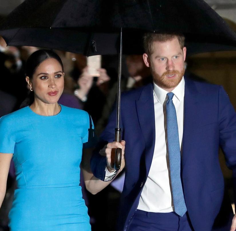 Harry et sa femme Meghan voulaient mener une nouvelle vie glamour loin du palais - mais rien n'en sort