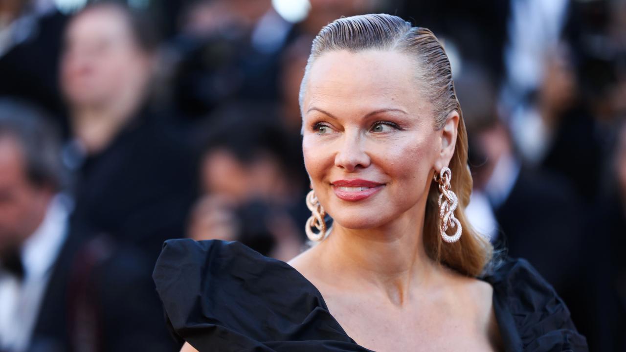"""Pamela Anderson Ist Kaum Wiederzuerkennen – """"Baywatch"""" Star In"""