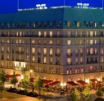 Jubilum 100 Jahre - Das Hotel Adlon Grnde Zu