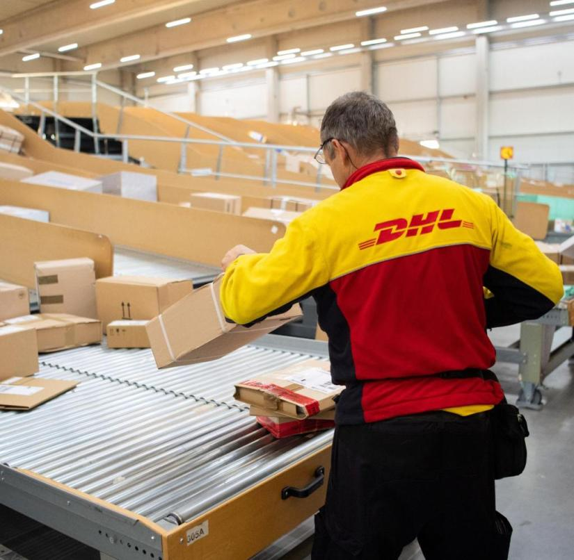 Parcel carrier from DHL