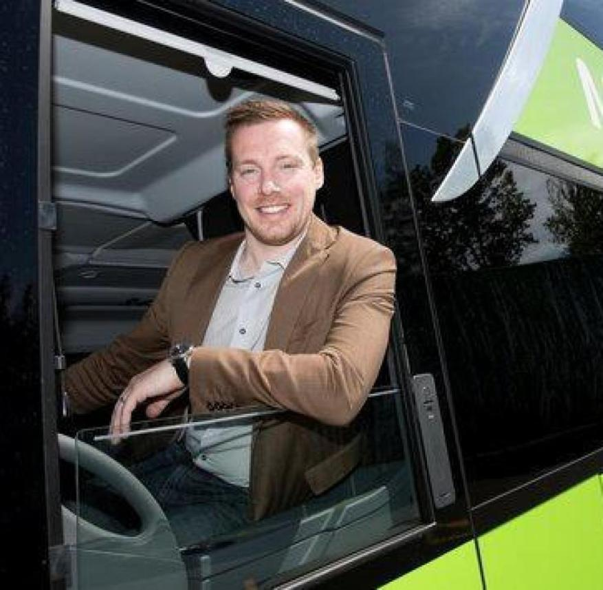 André Schwämmlein founded Flixbus in 2013 together with Jochen Engert and Daniel Krauss.  Since then, the Munich start-up has asserted itself against almost all competitors on the long-distance bus market