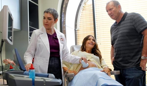 Modern Family - Season 4 - Gloria & Jay beim Ultaschall