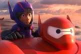 Baymax und Hiro fliegen