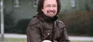 Bernhard Hennen, Rechte bei Dirk Hallecker