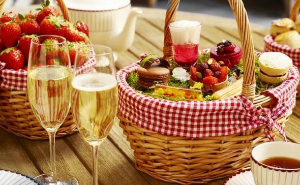 prosecco summer picnic hamper