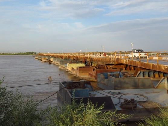 Pontonbrücke über den Amurdar'ja bei Turkmenabat