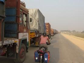 Vor der Grenze zu Nepal